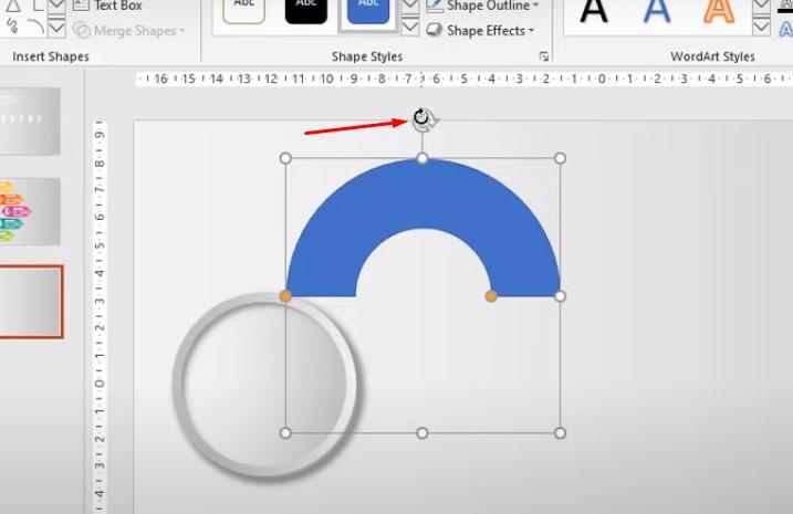Xoay đối tượng. Bấm Shift và đặt chuột vào hình tròn như hình.