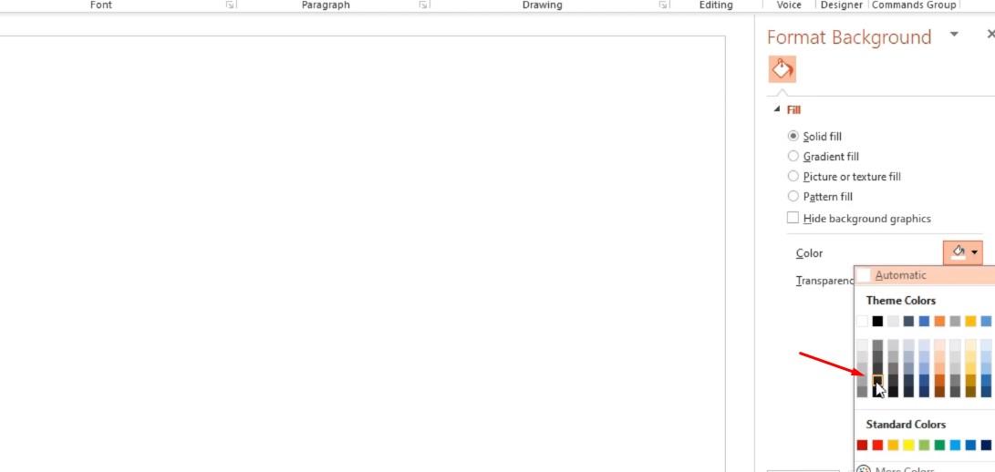 Bấm chuột phải chọn Format Background, và trong phải Solid fill bạn đổ một màu đen như hình.