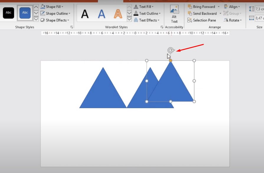 Khi bạn đã nhân bản ra và muốn xoay đối tượng thì bạn bấm vào hình tam giác có hình tròn bạn bấm vào xoay nhé.